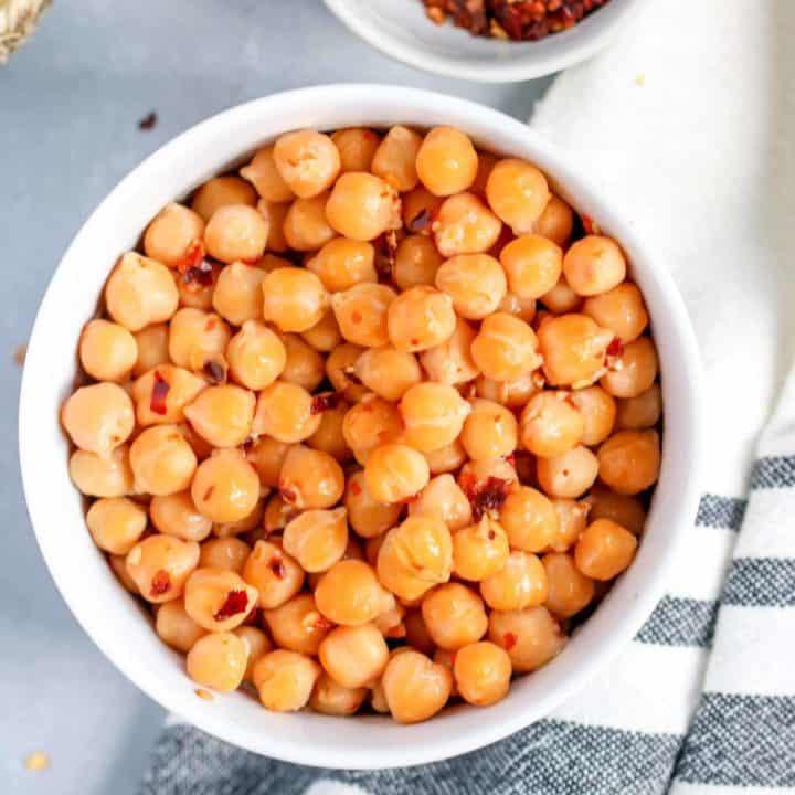 Spicy Garlic Chickpeas